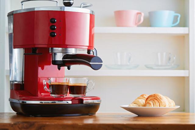 濃縮咖啡機比較容易控制咖啡因含量。(Shutterstock)