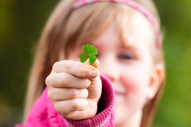 生命中任何的幸運所得,我們都應像對待傳說中的四葉草一樣珍惜、感恩,因為那看似偶然的背後,也許有我們一時不懂的因果或上天的照拂。(123RF)