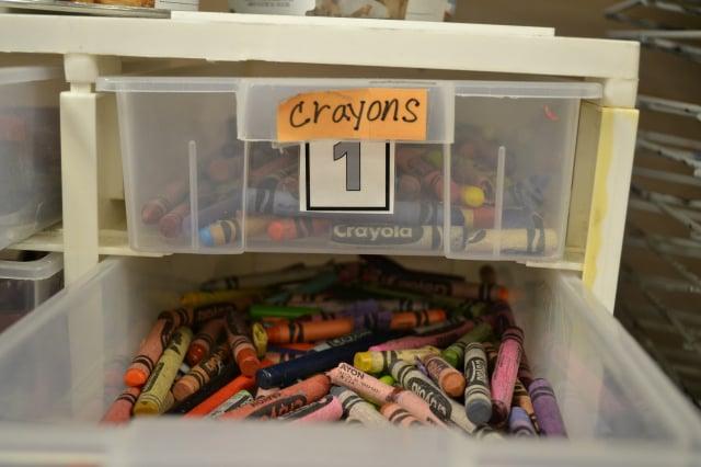 換季的衣物或零碎物品都可放抽屜整理箱。(Pixabay)