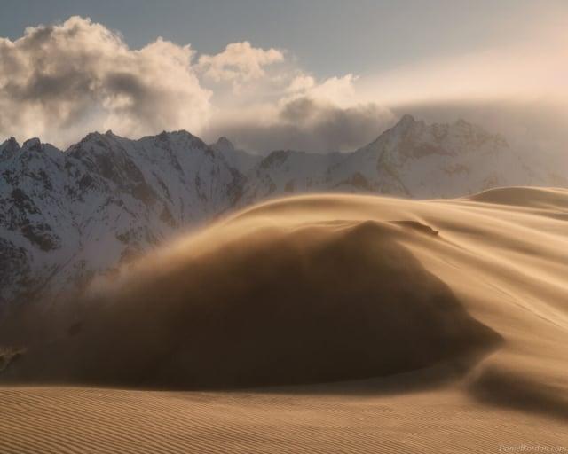 查拉沙漠被針葉林、河流、沼澤和泉水所環繞。(攝影師丹尼爾·科爾丹提供)