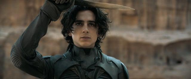 保羅(提摩西夏勒梅飾演)是亞崔迪家族的繼承者。(華納兄弟提供)