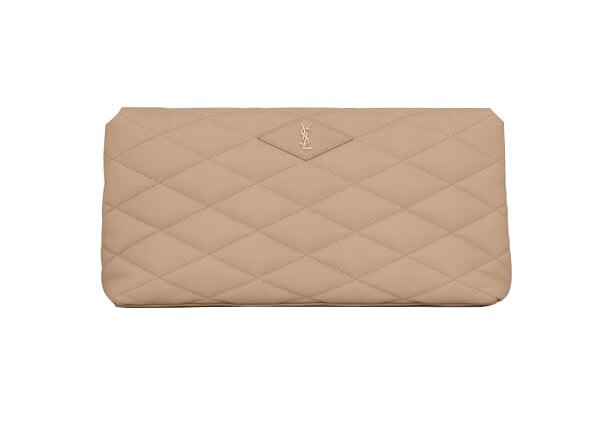 微風廣場獨家SADE裸膚色格紋小羊皮手拿包。