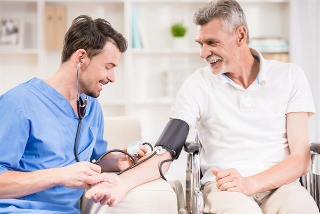 希望大家重視醫護的專業,醫療團隊在維護病人健康的工作,不能分彼此,也希望大眾做我們的後盾。(123RF)