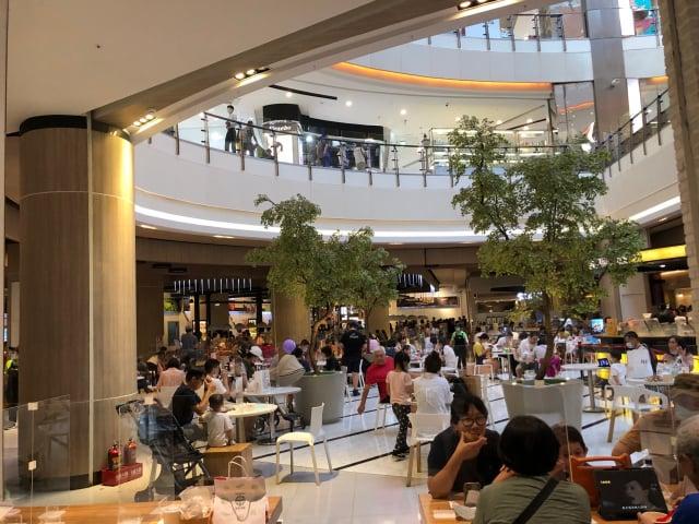 大江購物中心各樓人潮照。(大江購物中心提供)