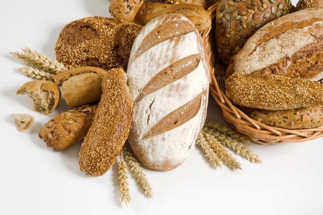 多吃全麥麵包較為健康。(Fotolia)