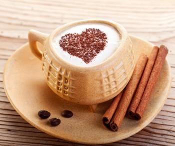 加入肉桂香料的風味咖啡。(Fotolia)