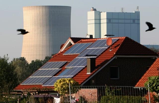 世界各國都面臨核電是否為電力最主要來源的抉擇。(Getty Images)