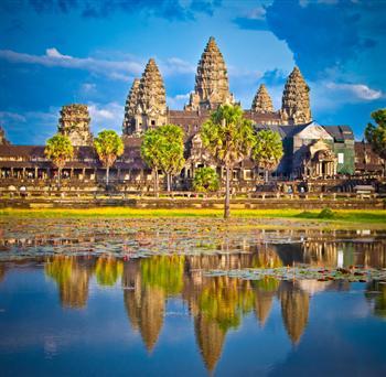 著名的吳哥窟寺廟群日落,柬埔寨。(Fotolia)