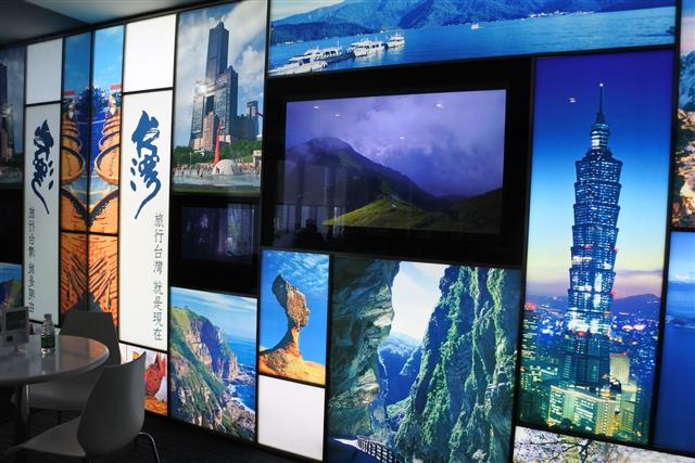 自然風光固然是台灣旅遊賣點,但更多陸客受到台灣的文化及人文特色吸引。圖為台灣海峽兩岸觀光旅遊協會上海辦事處。 (中央社檔案照片)