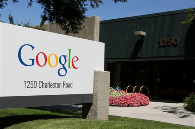 根據最新調查,工科和商科的亞洲學生畢業後最嚮往的公司,多數是美國科技業,谷歌公司奪第一。(Justin Sullivan/Getty Images)