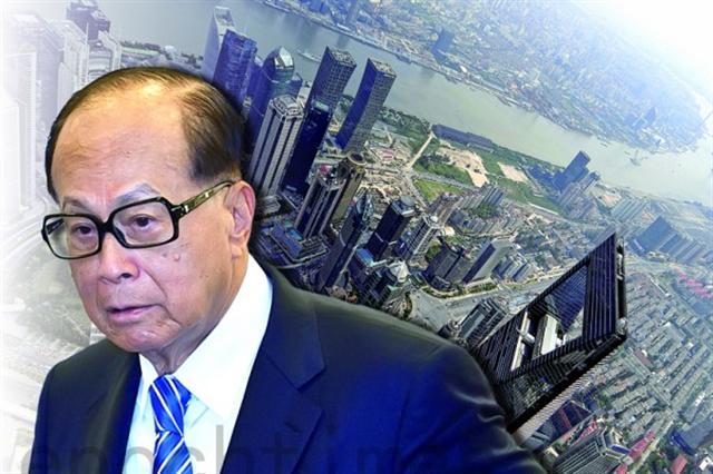 香港長實主席李嘉誠最近再次出售廣州物業,持續撤資香港和中國,引發關注,或引發香港商界撤資潮。(大紀元合成圖)