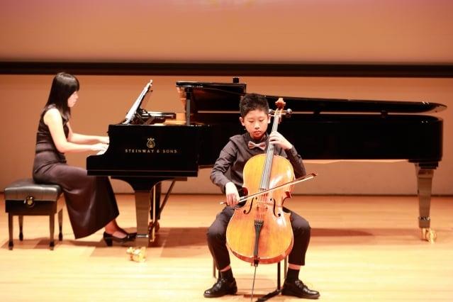 新竹市東園國小許暘平的大提琴演奏。