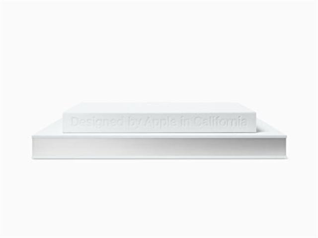 蘋果公司網站上發布的產品畫冊,有兩種尺寸,售價分別為199美元和299美元。(Apple.com for Media)