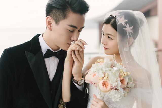 陳妍希(右)、陳曉婚後迎來健康的射手小王子。