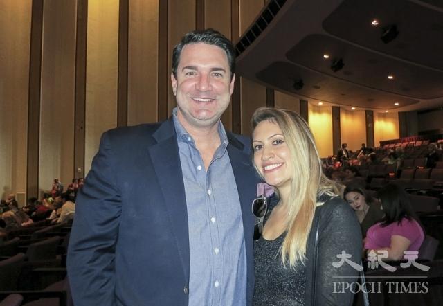 法律公司老闆Dan Robin Jr.先生和女朋友Eliana Belkin。(記者林南宇/攝影)