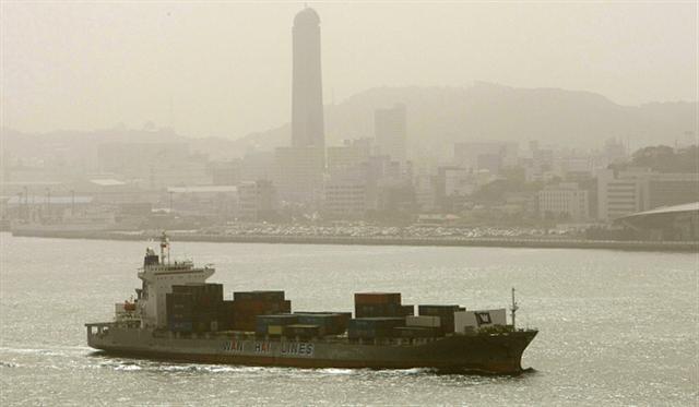 日本福岡市受黃沙影響。(Getty Images)