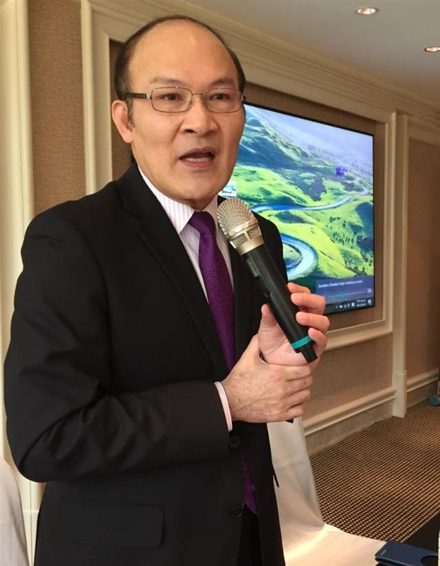 股市名人賴憲政南下台中分享投資套房心得。(謝平平/攝影)
