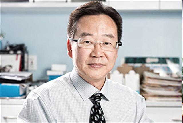 紐約耳通聽力檢查助聽器中心李孔耀先生。(圖/大紀元)