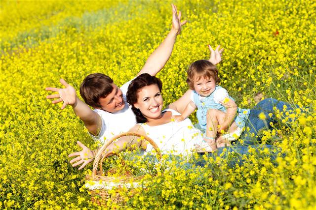 研究人員指出,每增加一點的幸福感、快樂感、滿足感和熱情,可以大幅降低心臟病的發病率哦!(123RF)