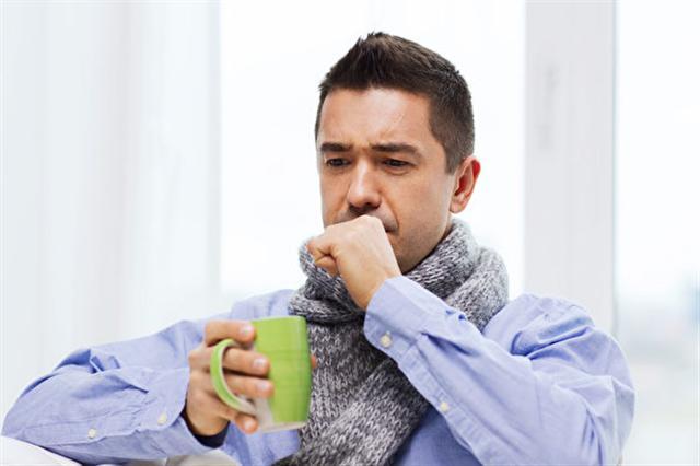 人體有二個化痰穴位——豐隆和支正穴,能將咳不出的痰給化掉。(Fotolia)
