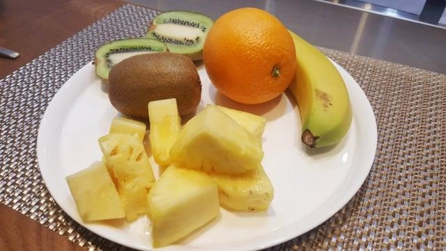 營養師表示,考生如果想要抗壓,最好補充新鮮水果。(中央社)