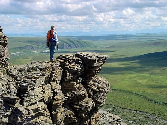 重要的不僅僅是你能以多快的速度攀上頂峰,還包括你以什麼樣的姿態到達終點。(pixabay.com)