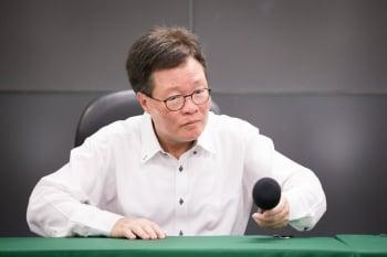 陳金德辭中油董座 李世光回台大任教