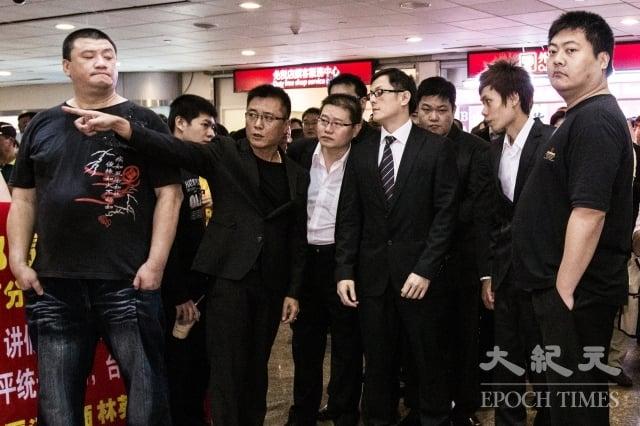 高市議員蕭永達提到,中共在幕後利用政黨的殼,策動台灣傳統幫派分子伸手進來台灣,統促黨不是真正政黨勢力與群眾民意。(記者陳柏州/攝影)