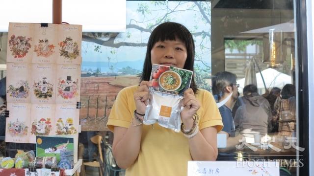 「七喜廚房」的服務團隊會去市場收集剩食,挑選比較好的食材送到育幼院,外表差的食材製作成料理包販售。