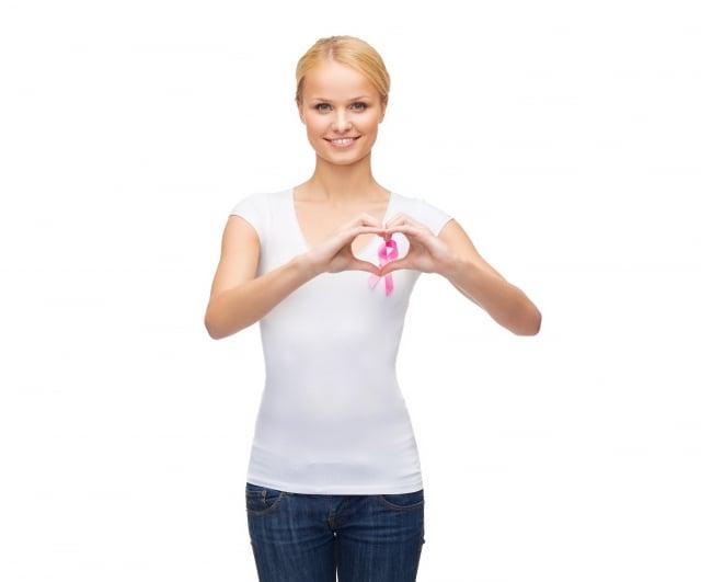 餵母乳有硬塊 竟是乳癌(123RF)