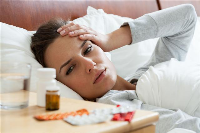 吃藥的時候,如果藥的標籤上有兩種以上的活性成分,小心「藥物重疊」。(Fotolia)