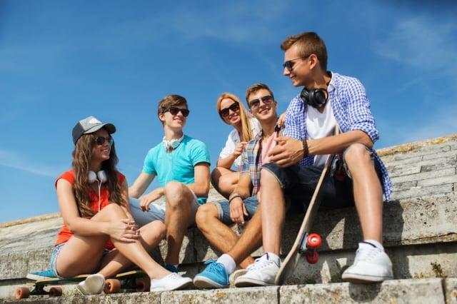 花時間和朋友在一起是很重要的事。這些親密的朋友會帶給你能量、不一樣的想法、歸屬感,那是其他人無法給你的。(Fotolia)