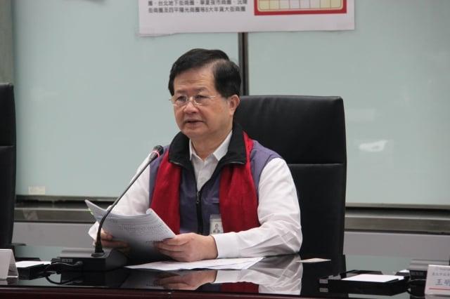 台北市衛生局長黃世傑說明食品新規。