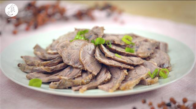 牛腱適合用滷煮的方式來料理,也能保留水分維持肉質的柔嫩。(C2食光提供)