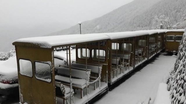 太平山持續低溫,風雪仍大,積雪嚴重。