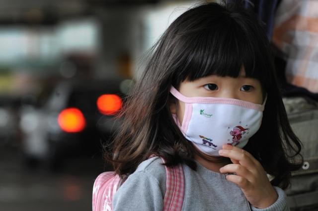 美國疾病控制和預防中心2日報告顯示,新增16例兒童流感死亡病例,使10月以來兒童因流感致死的人數達到53人。(Mark Ralston/Getty Images)
