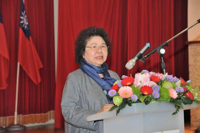 高市長陳菊7日出席活動表達對花蓮大地震的難過心情,並率先捐出一月所得,投入賑災行動。(高雄市政府提供)