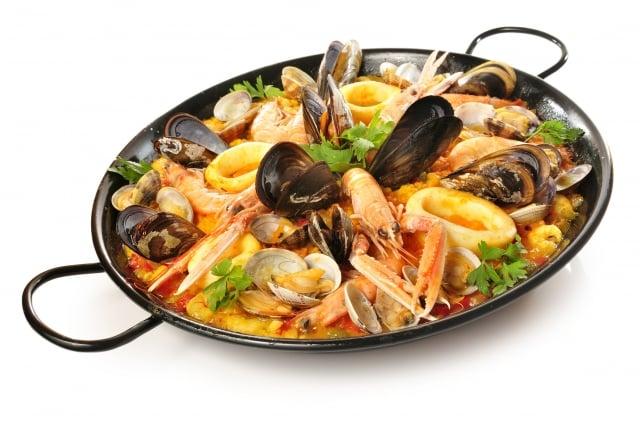 來一鍋道地的西班牙海鮮飯,嘗嘗「滿足」的味道!
