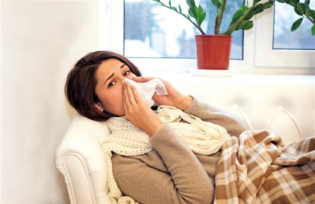 對於風寒外感症狀,中醫的治療方式是「祛風散寒」。(Fotolia)