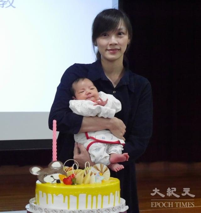 周小姐的生育夢想因她堅強的毅力終於實現,兒子也以和媽媽同月同日同時辰出生來回報。(記者方金媛/攝影)
