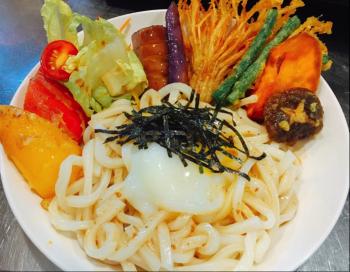 【張老師X王媽媽—創意料理在家簡單做】和風綜合酥炸鮮蔬烏龍麵