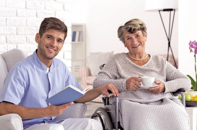 隨著高齡化社會的來臨,當家人需要長期照護時,雖然男性照護者人數較少,再加上傳統社會觀點,需求往往被忽略,經常陷入憂鬱而不自覺。   (Fotolia)