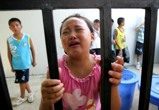 陝西一家「善和傳統文化基地」被曝不僅嚴重體罰學生,還借著傳統文化教育的名號歪曲經典,讓學生接受「洗腦」教育。圖為示意圖。(Getty Images)