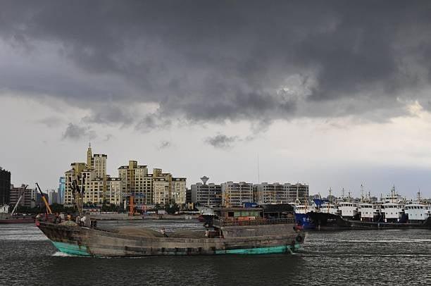 中共官方18日宣布在海南實施59國人員入境免簽政策。圖為海口市一景。(Getty Images)