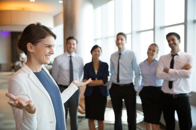 如打工一族在辦公室穿上不適合衣著,將會影響到他們的升職機會。(Fotolia)