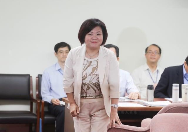 對於中華電信「499之亂」員工超時工作,勞動部長許銘春表示,若有違法情事一定嚴懲重罰。(中央社)