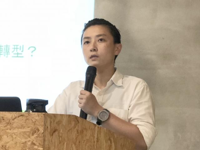 綠色和平能源專案經理李之安表示,台灣的企業應該盡快使用或購買再生能源電力,可增加企業綠色競爭力,以即國際間競爭優勢。(記者徐翠玲/攝影)