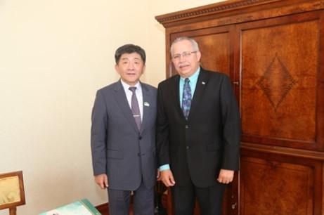 衛福部長陳時中與尼加拉瓜衛生部祕書長討論互訪合作。