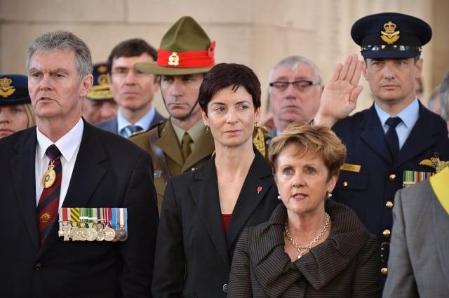 澳洲情報局長劉易斯(左1)最近警告,外國間諜規模「史無前例」,可能對坎培拉利益造成「災難性損害」。(AFP)