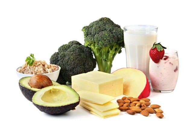 睡眠、飲食、壓力等,都可能導致腸道菌相失衡,必須要調整腸道內好、壞菌的比例,藉由飲食調整。(123RF)
